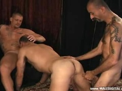 Hardcore gay sex scene with three dudes fucking hard !, Added: 2011-11-25, 00:02:00