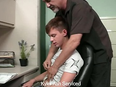 Kyler Ash Serviced, Added: 2011-11-25, 00:02:00