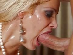 Deep blowjob from Mikki Lynn