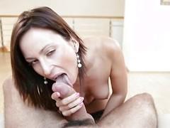 Hot babe Simona Style suking a big cock