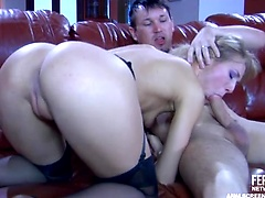 Black-stockinged blonde blows meat and sticks up her fuckable booty in 2sum
