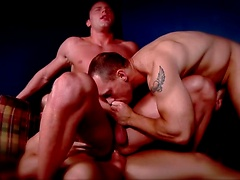 Muscle threesome in Bubble Butts Part 2
