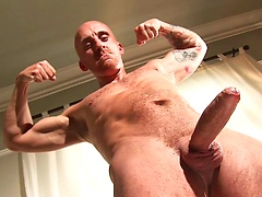 MUscle mature brit Sam Porter strokes dick, Added: 2011-11-25, 00:02:27