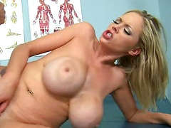 Katie Kox in Patients Without Borders