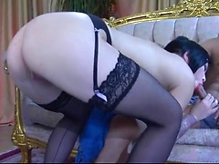 Sex-starved chick wakes up her lover and blows his rod before butt fucking