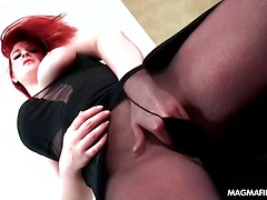 Curvy redhead loves pleasing guys