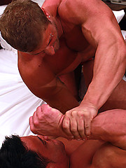 Kane Griffin vs Jay Brosnan - muscle men wrestling set
