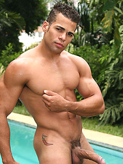 Muscled latin man Ramon Mendez posing naked