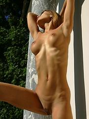 Hot girl Angela posing naked