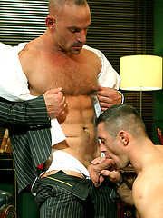Two muscle hunks Samuel Colt and Rob Nelson fuck