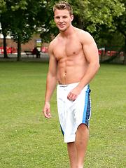 Str8 Footballer Bailey oiled and naked