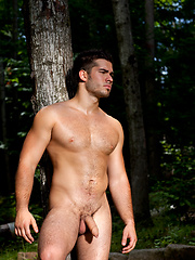 Horny stud shows big cock outdoors