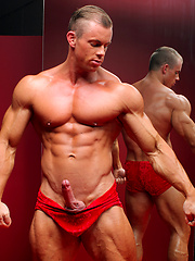 Blond bodybuilder Otto Mann