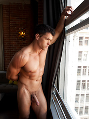 Beautiful muscle stud Anton Rivera