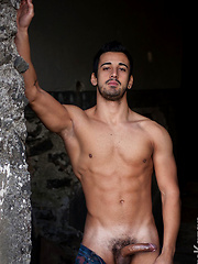 Hot euro stud Roberto
