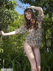 Graceful nude posing - Free porn pics. Sexhound.com