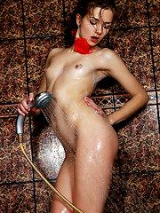 Amazing girl washing - Free porn pics. Sexhound.com