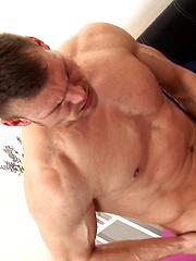 Drago Lambert barebacks Max Bourne