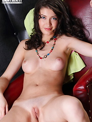 Lady with puffy nipples - Free porn pics. Sexhound.com
