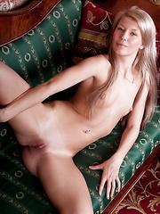 Blue eye nude angel - Free porn pics. Sexhound.com