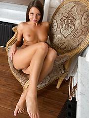 Nensi B: