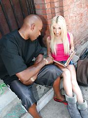 Parker Page - Free porn pics. Sexhound.com