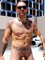 Straight Aussie Hunter Jones - Naked on the Roof