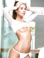 Aaliyah - Sanctuary - Free porn pics. Sexhound.com