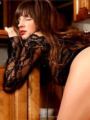 Tara in Spank - Free porn pics. Sexhound.com