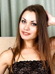 Marta - Feels Good - Free porn pics. Sexhound.com