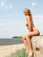 Lana - Ruah - Free porn pics. Sexhound.com
