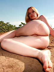 Fairily - Free porn pics. Sexhound.com