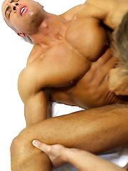 Muscle Teen Kyle Dean FUCKS Bodybuilder Sean Costin