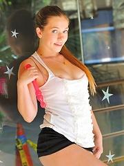 Aurielee teen secretary - Free porn pics. Sexhound.com