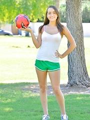 Jeri Firm Soccer Girl - Free porn pics. Sexhound.com