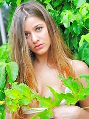 Nicole Just Undies - Free porn pics. Sexhound.com