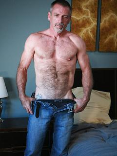 Gay Daddies Pics