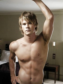 Muscled Male Celebrities Naked & Hot Pics