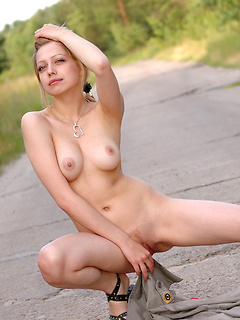 Blonde Teen Pics