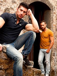 Italian Muscle Men Gay Porn Pics