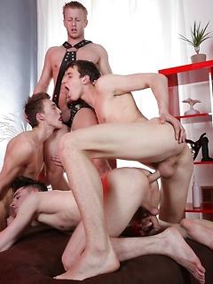 Gay Oiled Pics