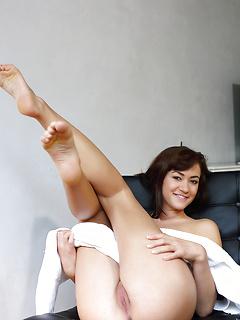 Alana - Under The Towel