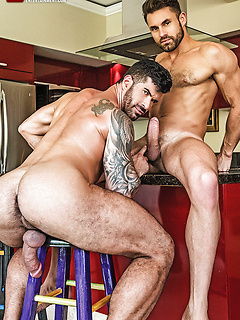 Gay Muscle Men Bareback Porn Pics