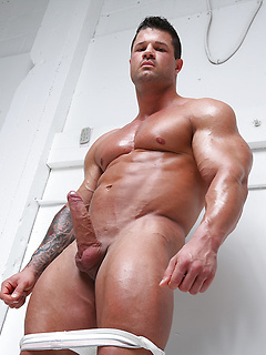 Gay Bodybuilders & Muscle Men Porn